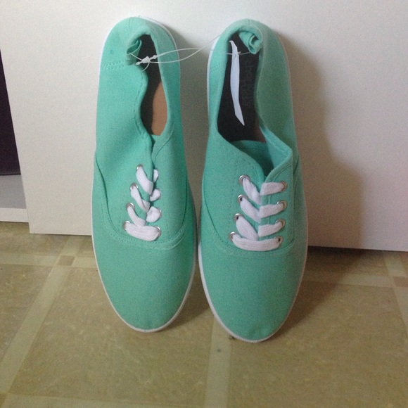 mint canvas sneakers 7 from cat s closet on poshmark