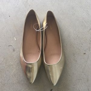 Old Navy Shoes - Brand new gold pointy toe flats