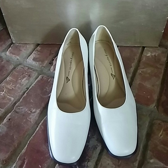 Easy Spirit Dress Shoes Featuring Lycra