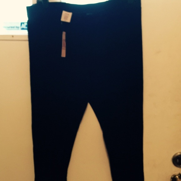 2c7bf41419e87 Ladies black cotton  spandex stretchy pants. NWT. Decree.  10  15. Size. XL