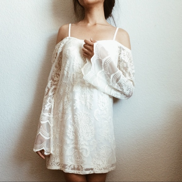 c1f9f54032b43 Boho Bell Sleeve Cold Shoulder Lace Dress 🌿