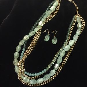 Jewelry - Green & Gold Multi Chain Necklace