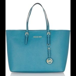 9dedbf48c9f0 Buy turquoise michael kors bag > OFF63% Discounted