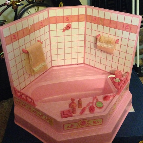 54 Off Other Barbie 1980s Sweet Roses Bathtub Amp Shower