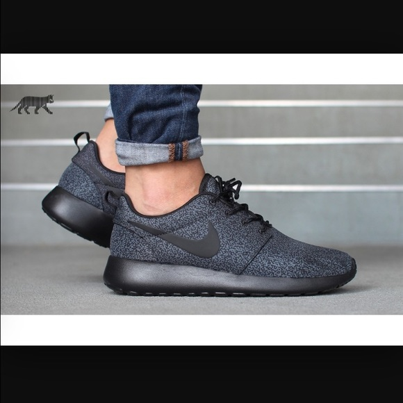 nike roshe run anthracite