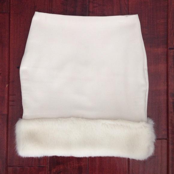 941f2236eb TopShop Faux Fur Trim Mini Skirt. M_55647b2d56b2d67ad4010c22