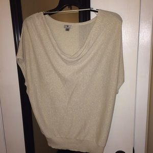Short sleeve off white and gold top