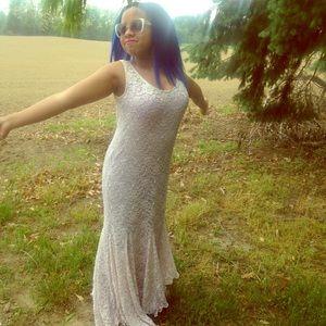 Dresses & Skirts - Vintage lace dress