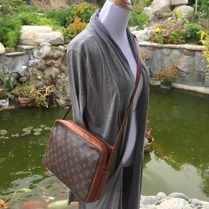 Louis Vuitton Bags - Louis Vuitton sac bandouliere monogram crossbody bb4b43a6a7f