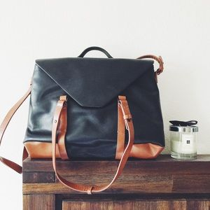 Zara Handbags - Zara leather messenger bag