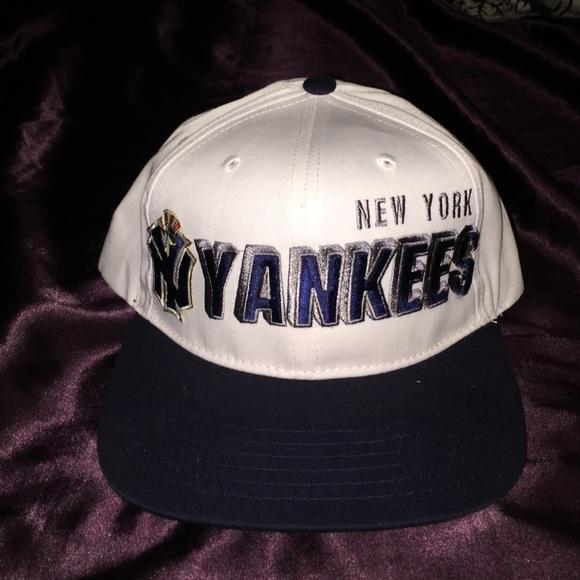 712141854 Vintage New York Yankees SnapBack