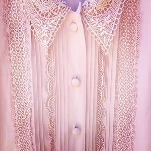 Vintage detailed muted pink button down