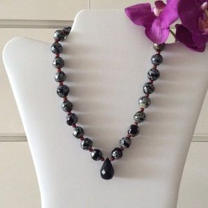 Jewelry - Gorgeous handmade beaded stone toggle necklace🎀
