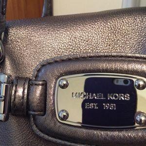 4d704304eaa1 Michael Kors Bags - Michael Kors Hamilton Weekender-Gunmetal
