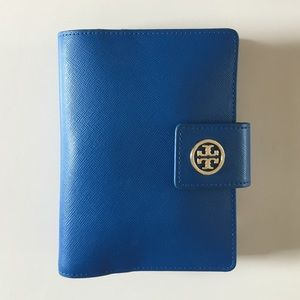 Tory Burch Clutches & Wallets - Tory Burch Robinson Large Passport Holder