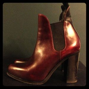 Burgundy Rag & Bone Stanton Chelsea Boot in sz 7
