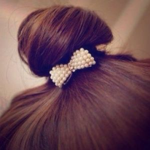 Accessories - LAST ONE! Mini pearl bow hair band! New!