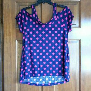 Open shoulder top size medium