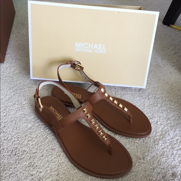 5bd092bf2646a8 Brand new authentic Michael Kors sandals Size  7