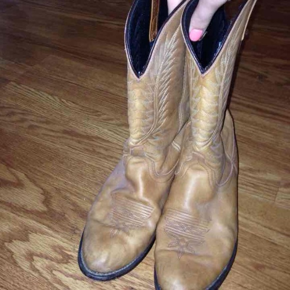 70 shoes womens laredo cowboy boots size 9 from
