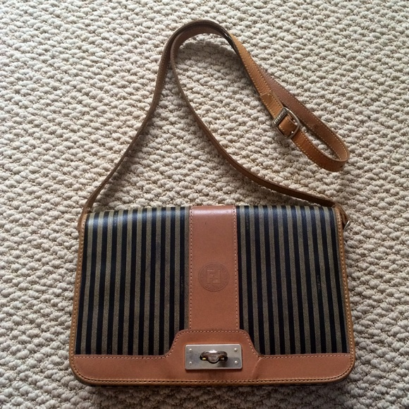 03fe3fb143 FENDI Handbags - Vintage Fendi striped cross body bag ❤️