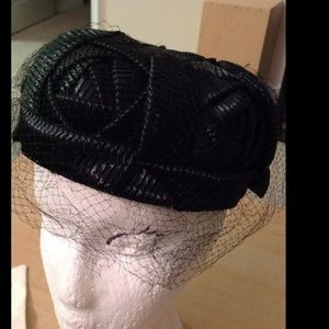 1950s vintage black woven hat. Pillbox w/ netting