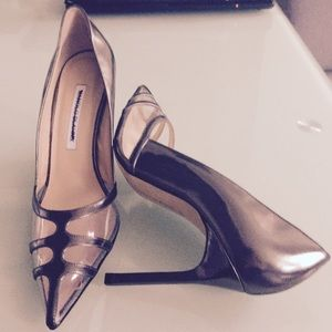 Manolo Blahnik clear lucite & gun metal pump NEW!