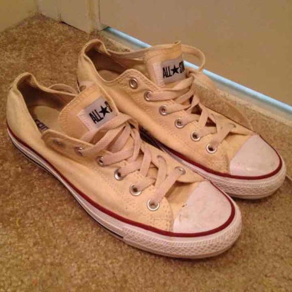 Converse Shoes - Cream colored low top converse all star 2637096bb