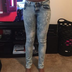 Bleached/ripped light jeans