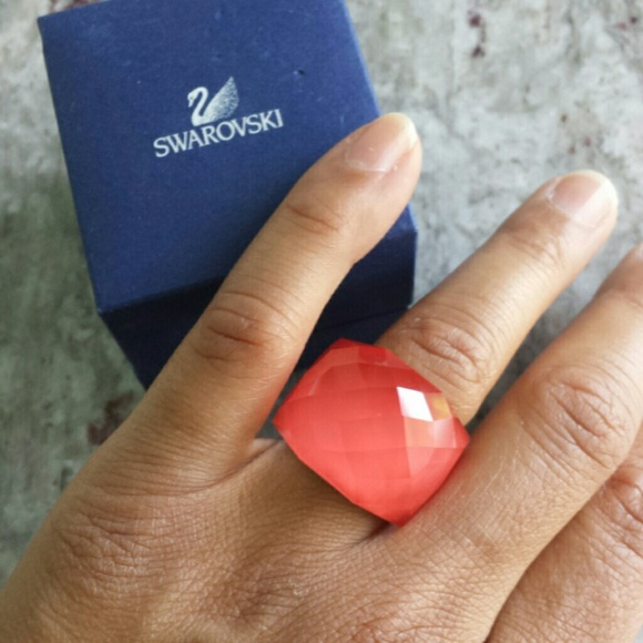 737ba21d25ca Swarovski Nirvana pink ring. M 556733bd9c6fcf4f8b002277