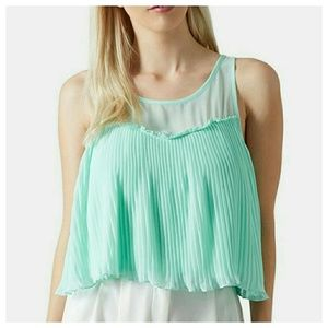 Topshop || Green Pleated Front Tank