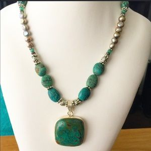 SuzyBoutique Jewelry - Turquoise Necklace