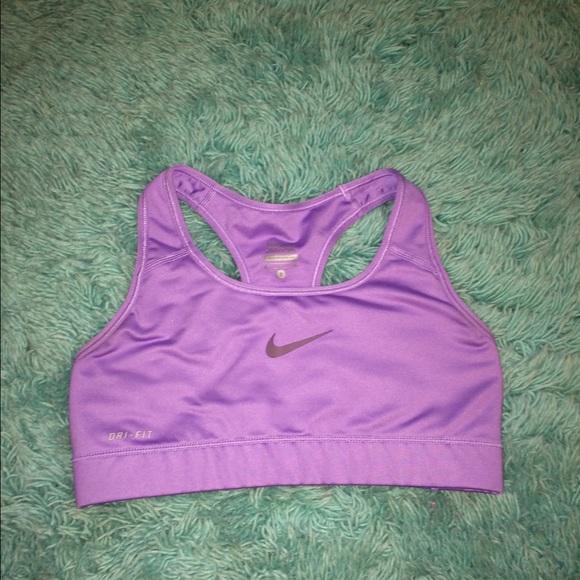 debf9b2219267 light purple Nike pro sports bra. M 556740978f0fc442420024b0