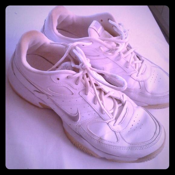 cbf60ca5f554 Nike ZOOM CAGE 2 DRAGON XDR White Tennis Shoes Men s Size 8.5