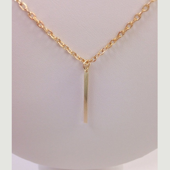 Jewelry - S O L D NWOT Vertical gold bar necklace