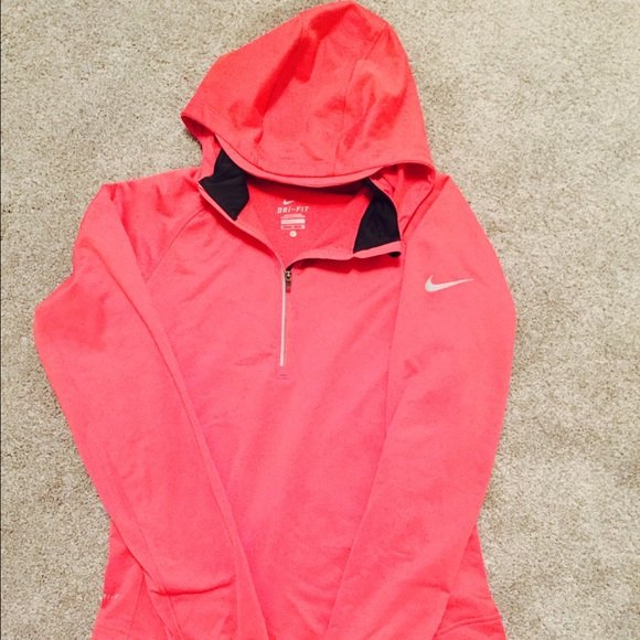74 off nike jackets blazers nike drifit half zip pullover in pink size small from sarah 39 s. Black Bedroom Furniture Sets. Home Design Ideas