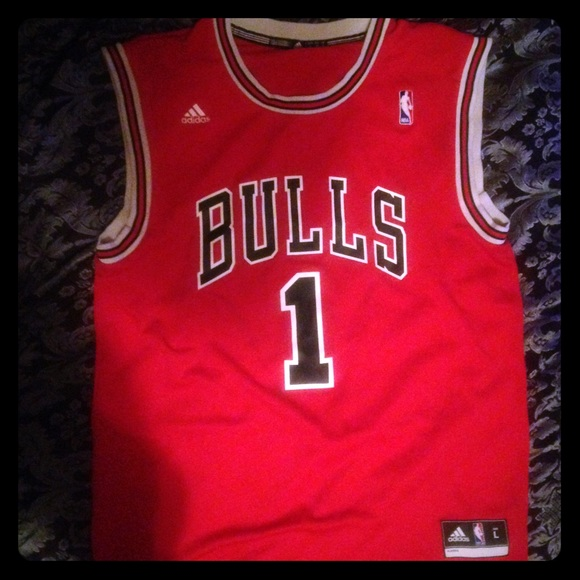 derrick rose authentic bulls jersey