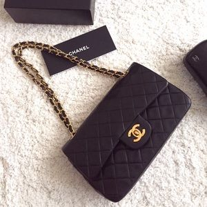 💕HOST PICK💕Chanel Classic 2.55 double-flap small