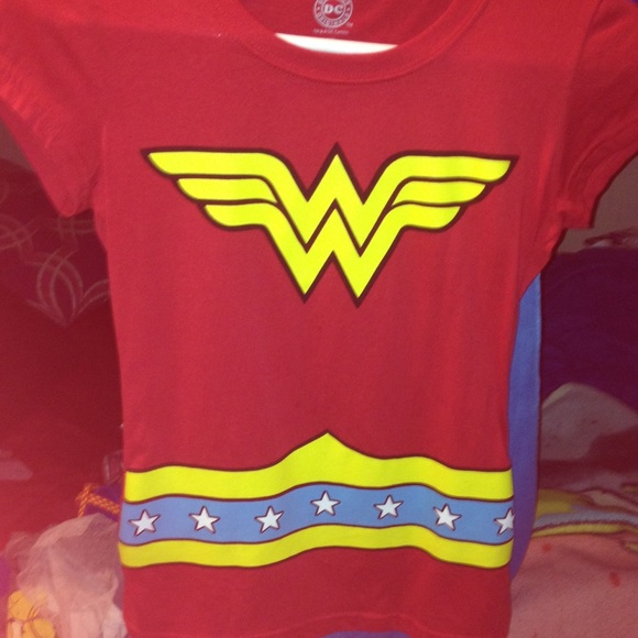 35344969a Forever 21 Tops | Wonder Woman Shirt | Poshmark