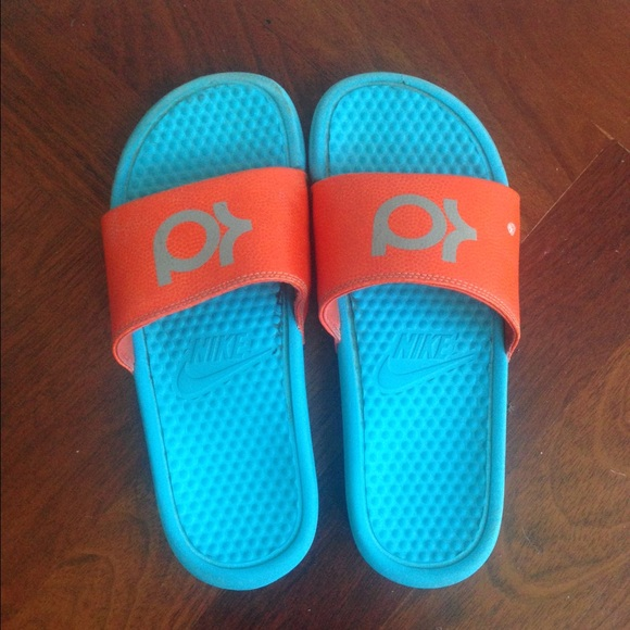 315abbbd8c78b Nike KD Slides Youth 7 Blue Orange. M 55684432b5643e0535001cbd