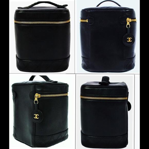 6b5247713678 CHANEL Handbags - CHANEL QUILTED VANITY BLACK CAVIAR CC MAKEUP BAG