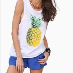 Pineapple top white sleeveless shirt