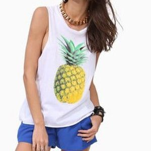 🔥Free Shipping🔥White top pineapple graphic