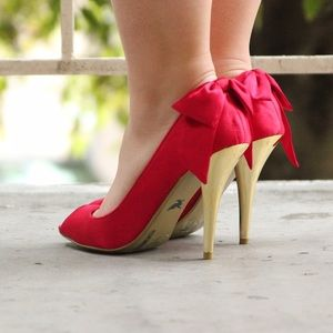 Sheikh Shoes - Shiekh Holiday Red Satin Bow Peep Toe Heels