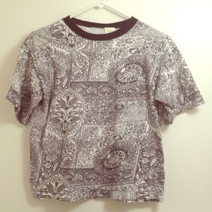 Tops - 90s black & white patterned tee