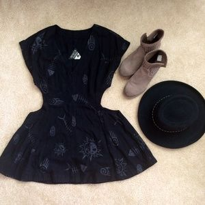 Seneca Rising Dresses & Skirts - Seneca Rising cut out dress