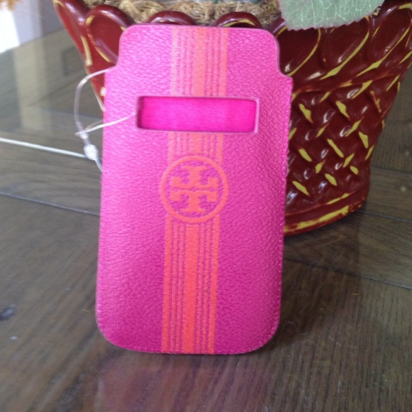 c250fa75667 NEW Tory Burch leather pull pouch