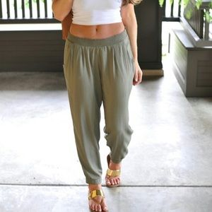 American Eagle green parachute pants