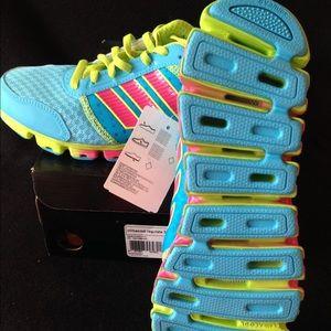 Adidas zapatos ClimaCool SZ 7 jóvenes chicas poshmark rosa y azul