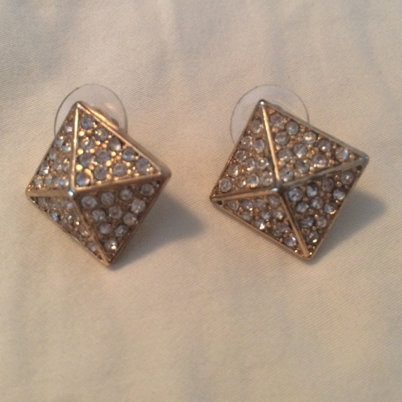 60 off forever 21 jewelry pyramid shaped earrings from for Forever 21 jewelry earrings